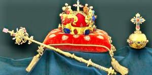 Do souboru Českých korunovačních klenotů patří  Svatováclavská koruna 524d2b3f36